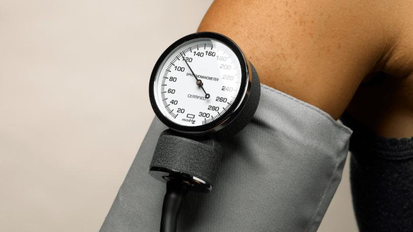 Hoge bloeddruk verlagen zonder medicatie? Dit is hoe het werkt met keto.